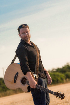 Guitarist Singer for Weddings and Events.  South of England