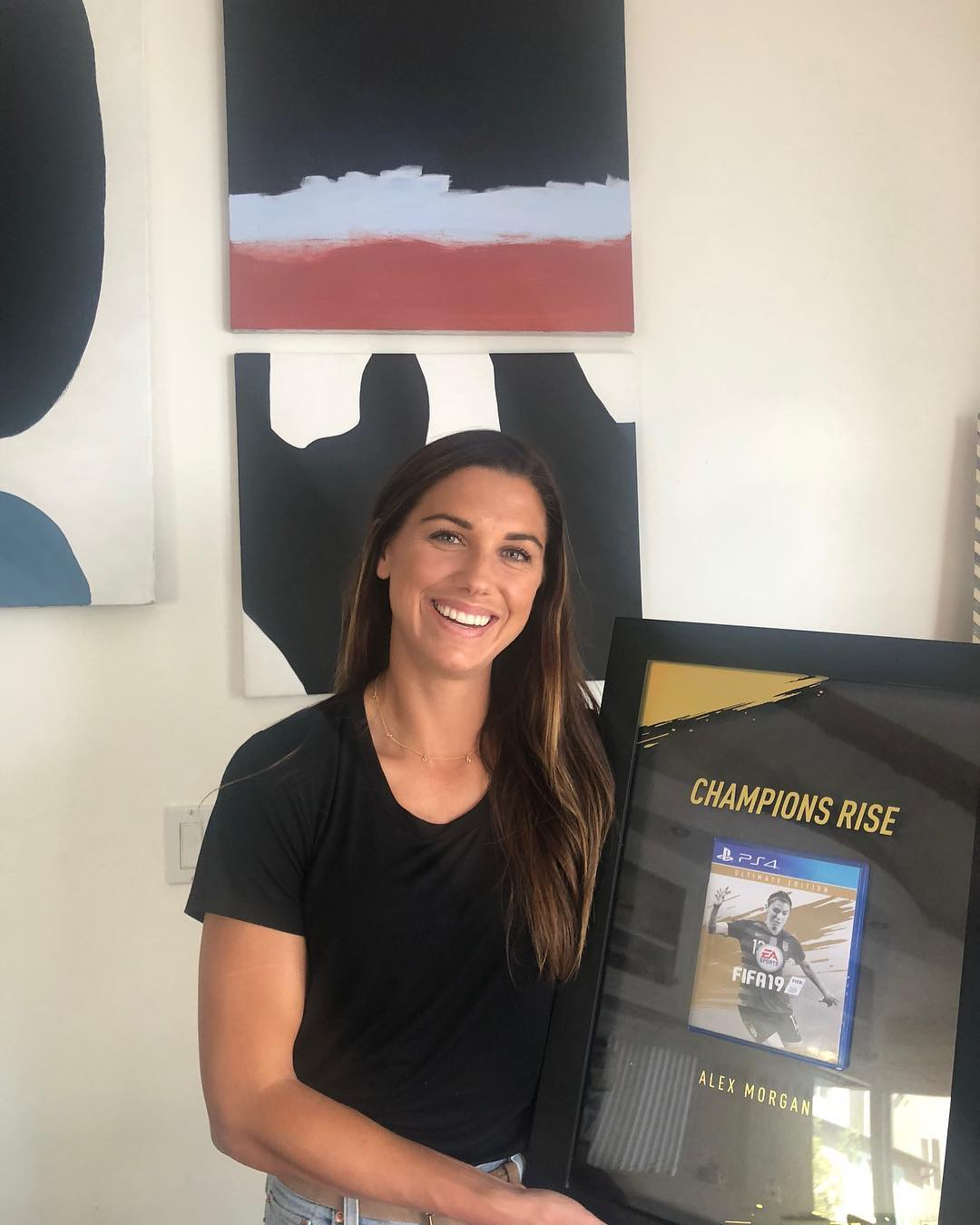 Alex Morgan - FIFA 19 Box