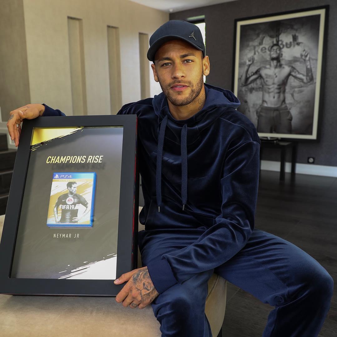 Neymar - FIFA 19 Box