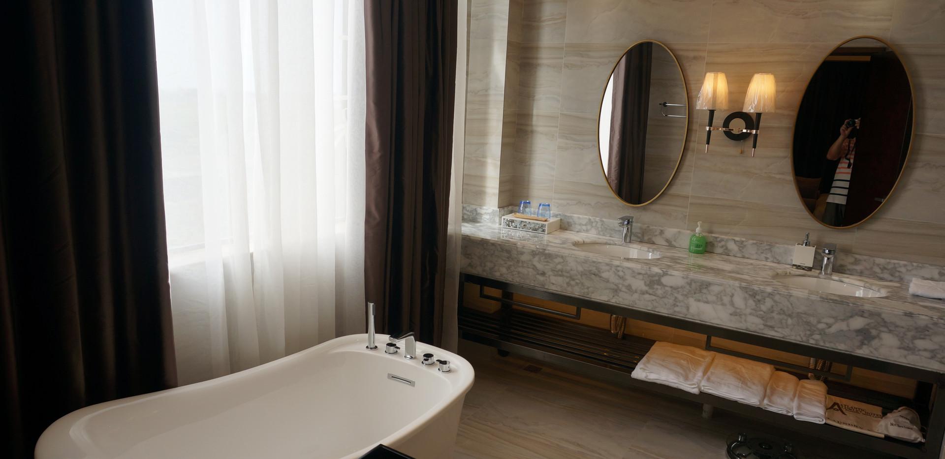 Deluxe Suite Toilet.JPG