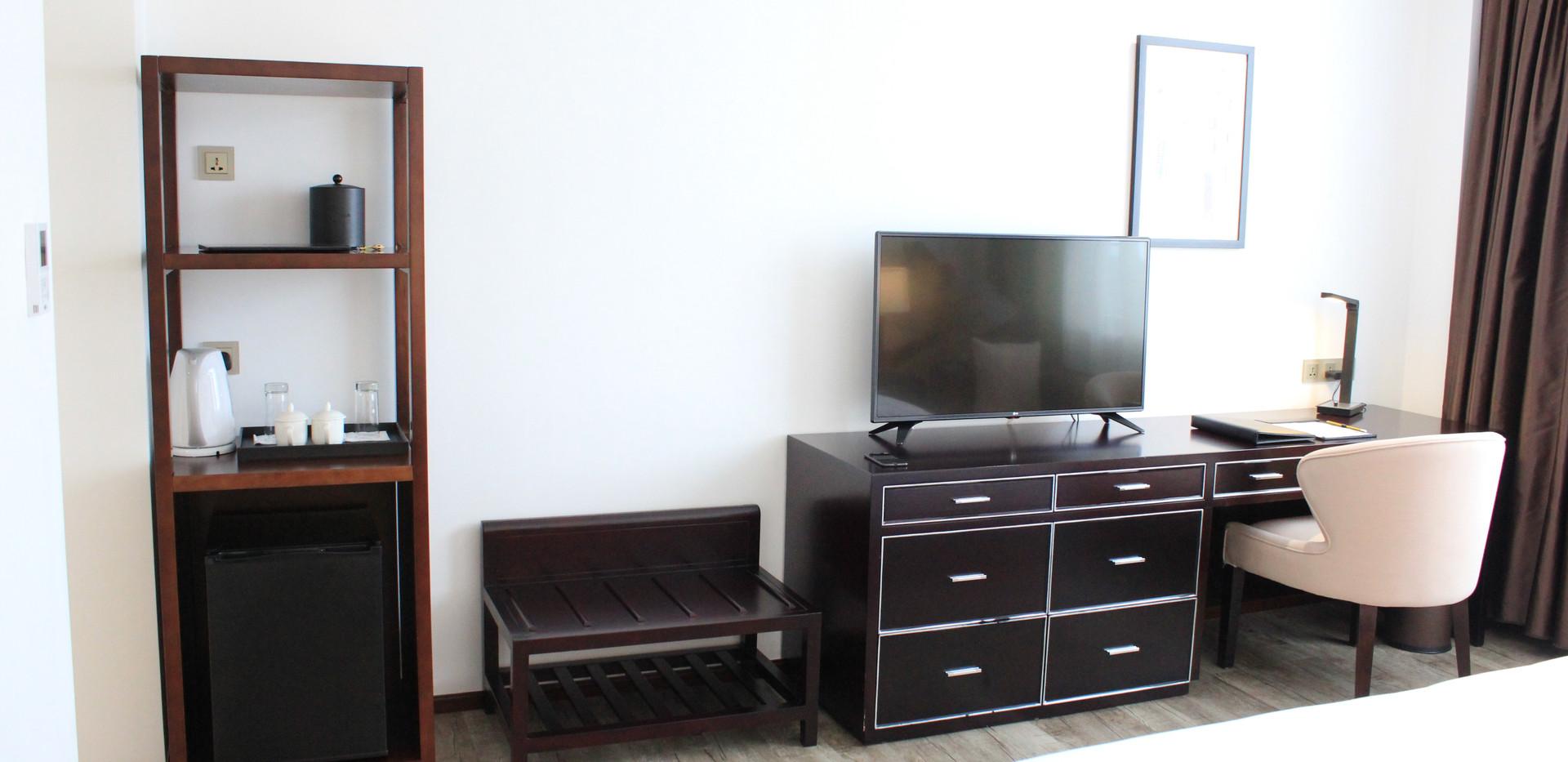 Deluxe Room 6.JPG