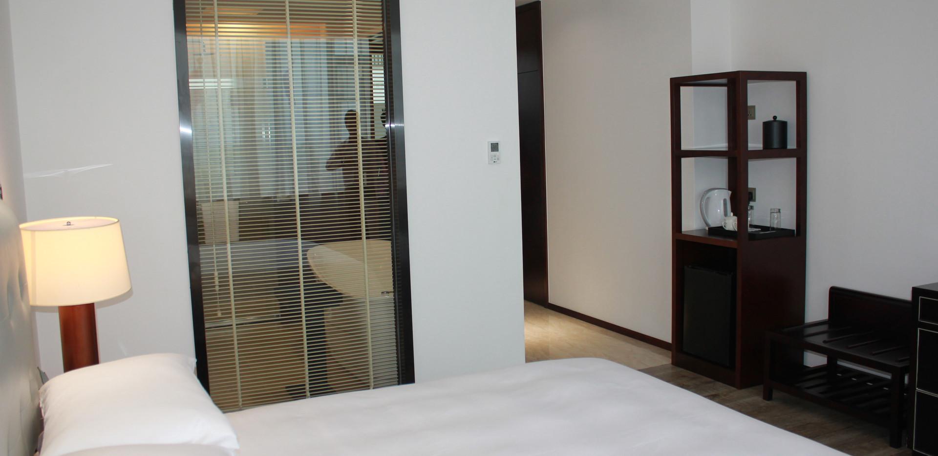Deluxe Room 7.JPG