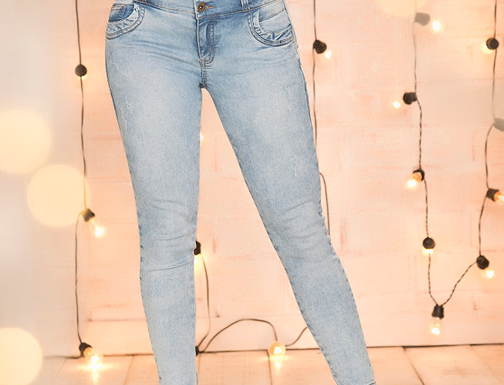 Jean skinny con pretina ancha