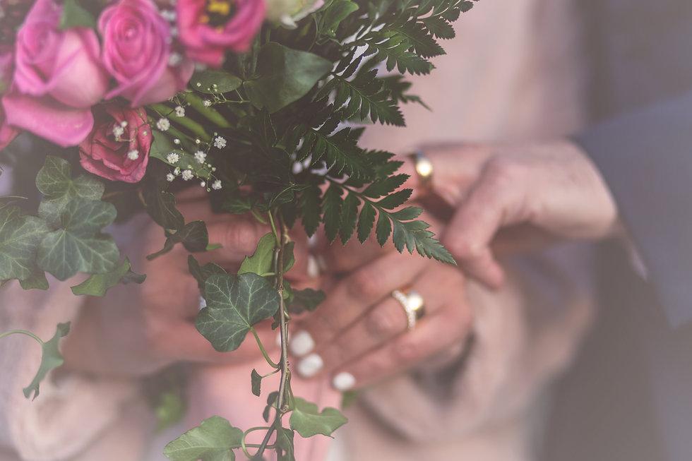 Bröllopsfoto på ringar