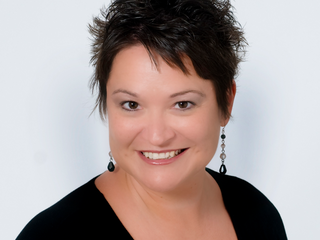 Friday's Featured Entrepreneur - Danelle Brown - Queen Bee Consulting