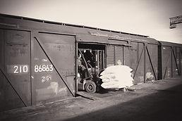Керамзит в мешках в крытых вагонах