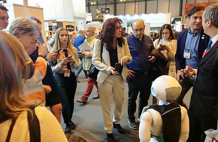 feria promoción robot pirobot marketing