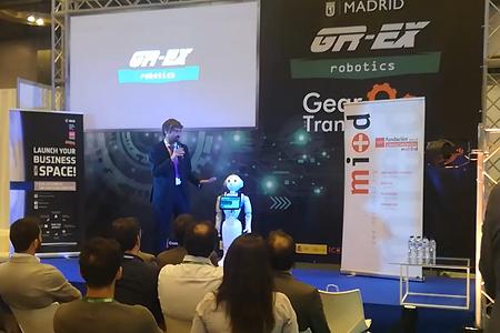 presentacion robot pirobot copresentador robotico