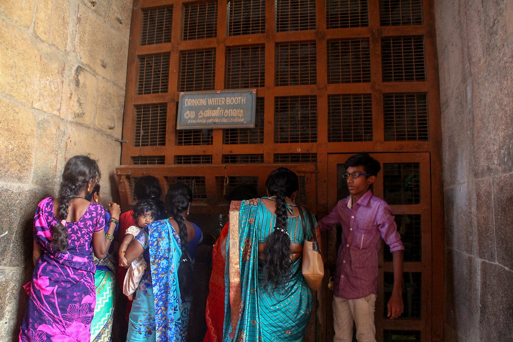 drinking water in Thanjavur temple