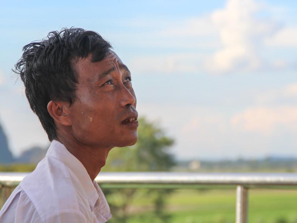 A man in Kyat Ka Lat Pagoda