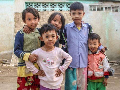 Kids posing in Monywa
