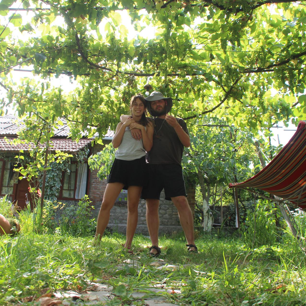 בגינה גאורגית טיפוסית בלגודחי