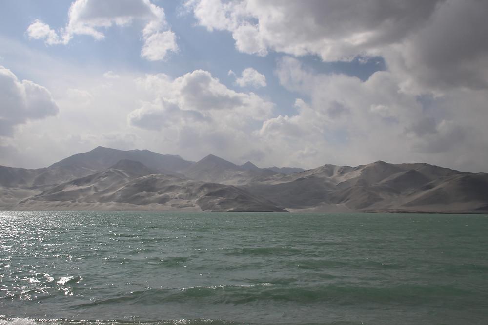 אגם החול הלבן בשינג'יאנג