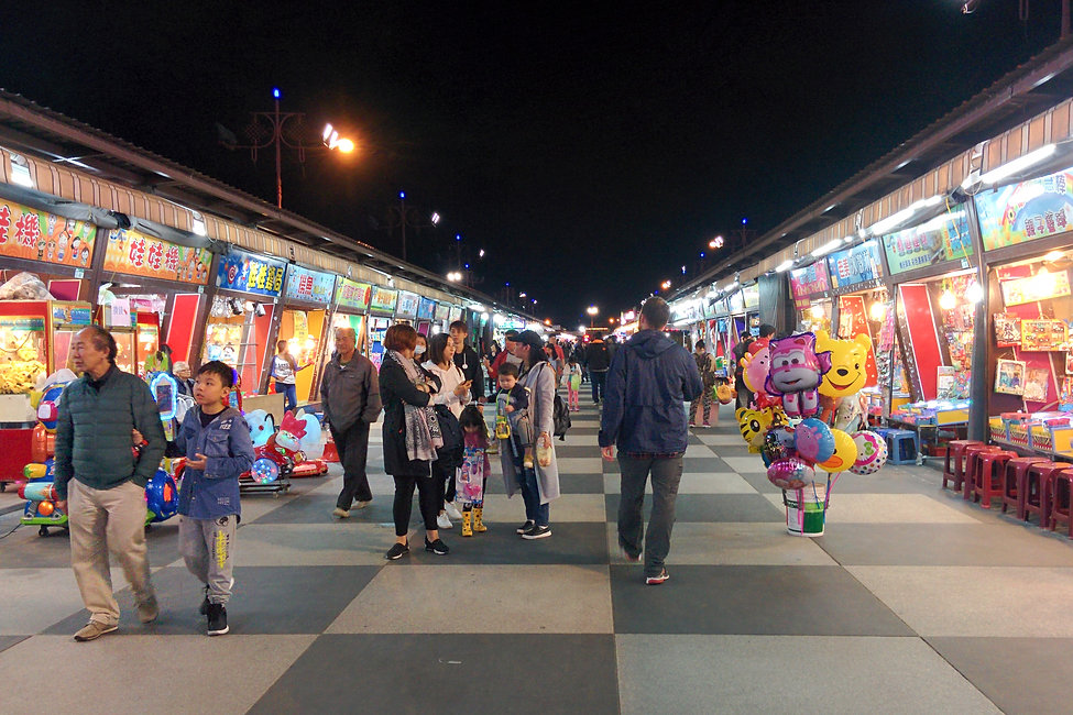 dongdamen night market in Hualien