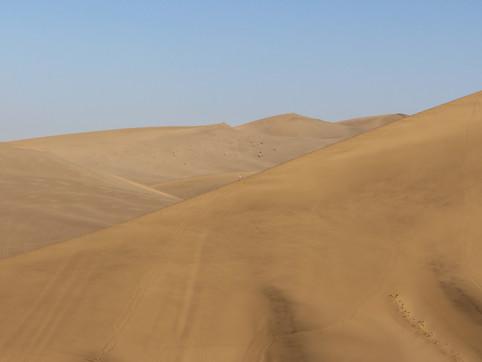 Dunhuang's Singing Dunes