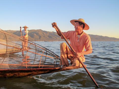 Fishermen not posing in Inle Lake