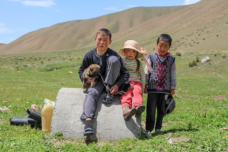 semi nomad kids in kyrgyzstan