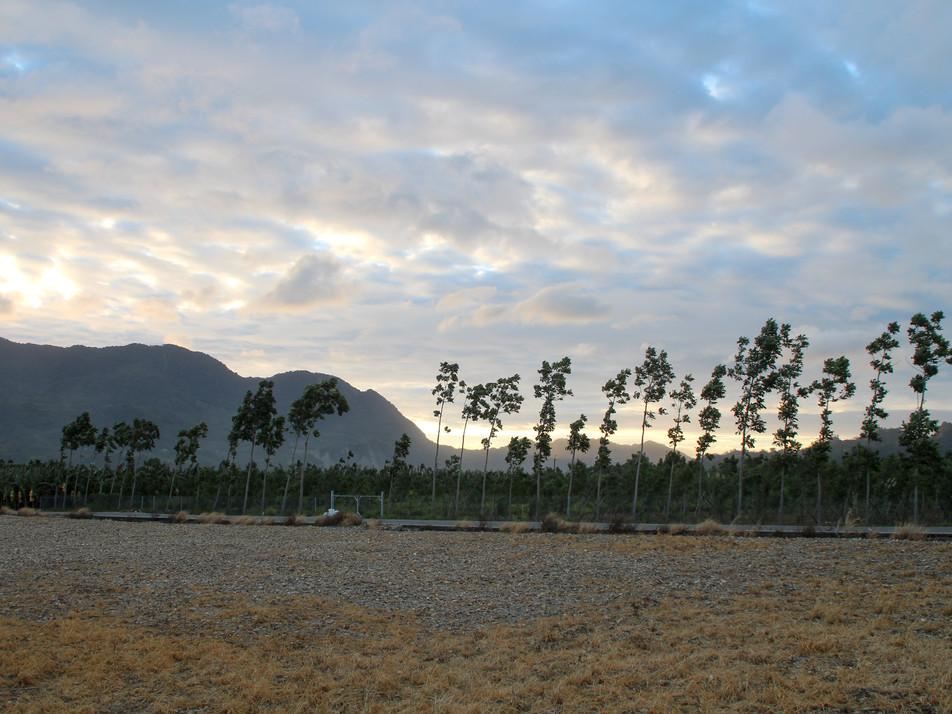 Sunrise in Longtian village (Luye)