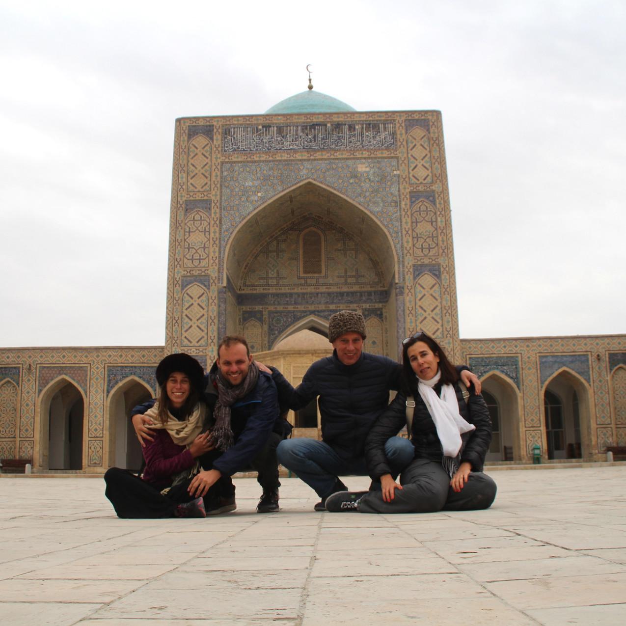 עם ההורים שלי בבוכרה, אוזבקיסטן