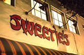 Sweetie's Art Bar