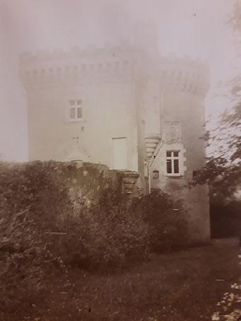 photo ancienne tour St Jean vue de la do