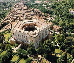 Palais_Farnèse,_vue_aérienne.jpg
