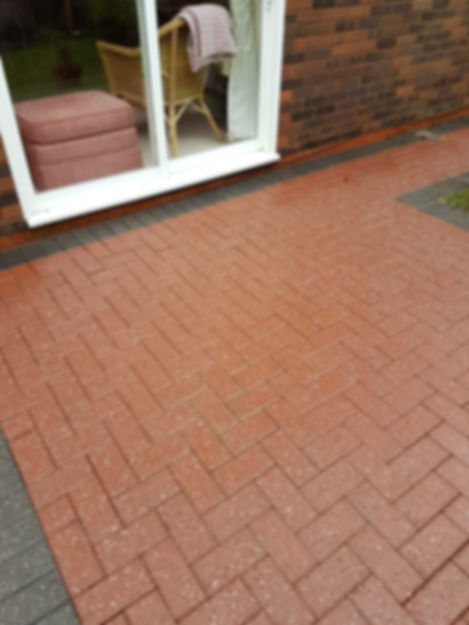 How To Clean a Patio Professionally in Worcestershire