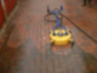 This Shows How To Pressure Wash Driveways In Herefordshire, Worcestershire and Gloucestershire.