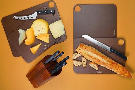 סכינים, קרשי חיתוך ולחם