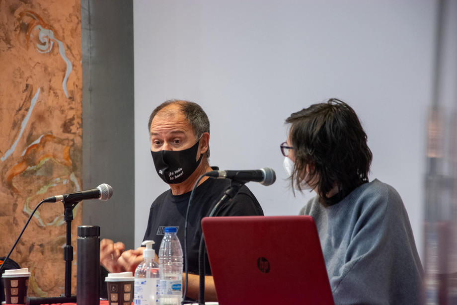 Eduardo Gutiérrez (director de doblaje y ajustador) y Reyes Bermejo (traductora audiovisual)