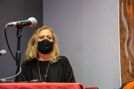 María Ovelar (adaptadora de canciones y directora musical para doblaje)