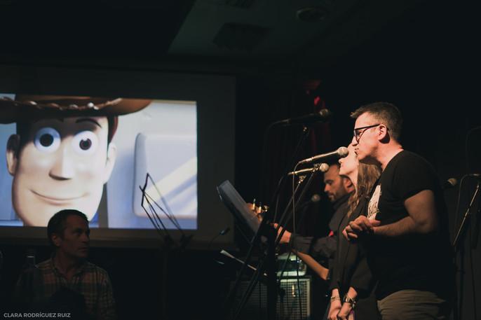 Miguel Morant interpretando las canciones de Toy Story (Café Berlín, junio 2018)