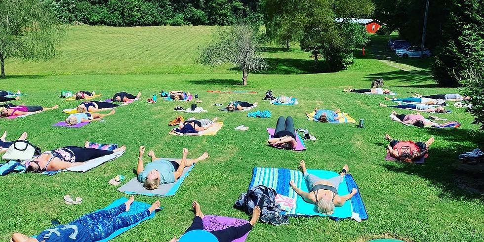 Bent Tree Lodge & Vineyard Yoga, Brunch & Mimosas