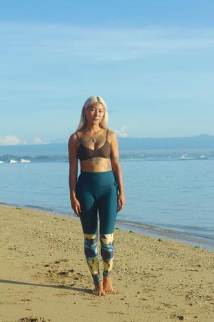 Surf Leggings in Junlge Lily