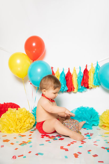 first birthday cake smash photographer Los Angeles