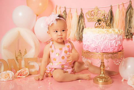 Best cake smash photographer Orange County