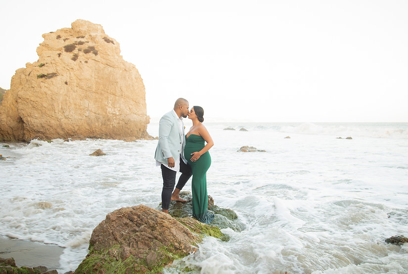 El Matador beach maternity photography