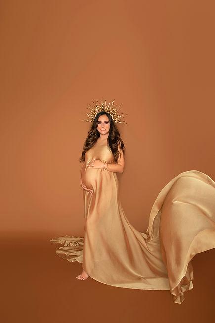 Maternity photo studio Los Angeles