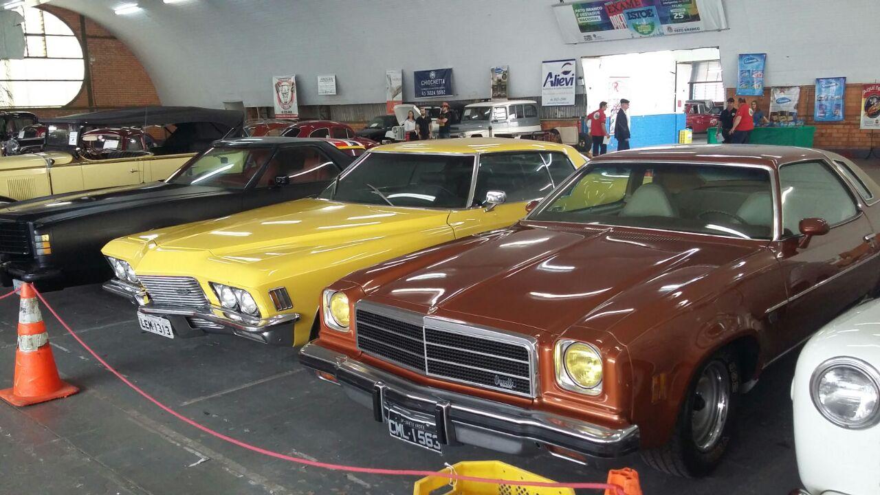 III Encontro de Veículos Antigos de
