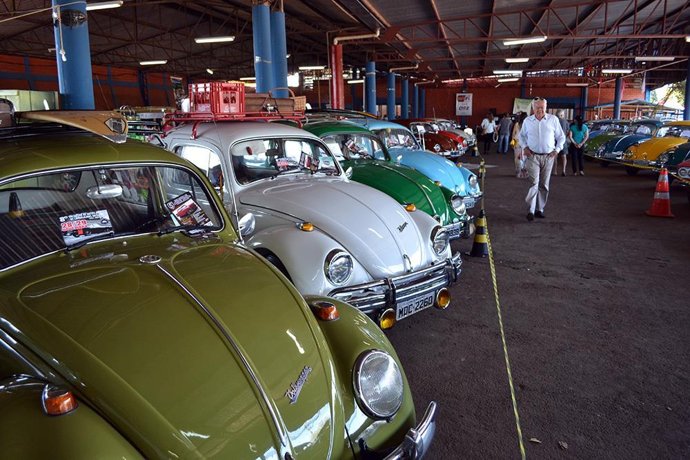 7º Encontro de Carros Antigos de Doi