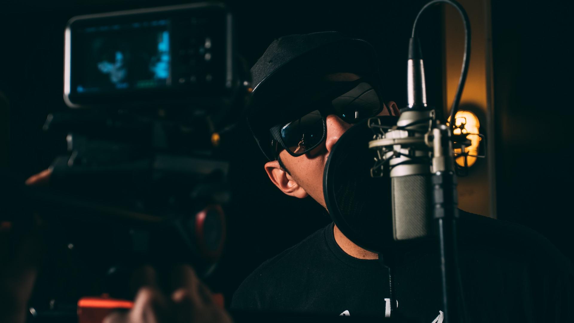 DJ Singing and Mixing