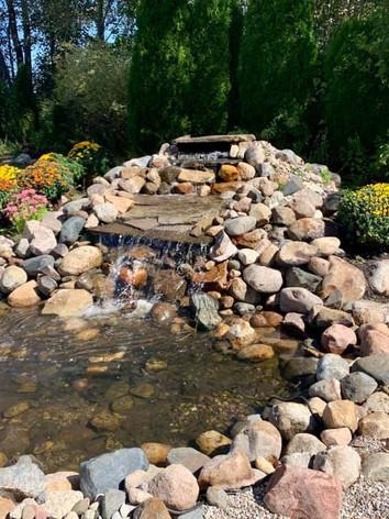 Fountain with Mums.jpg