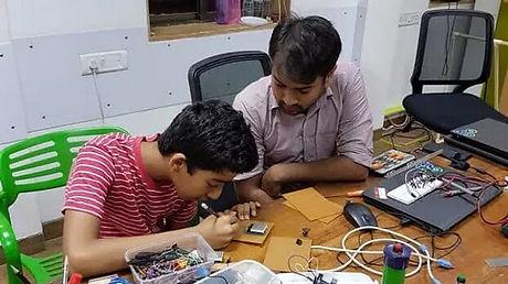 robotics-classes-for-kids.jpg