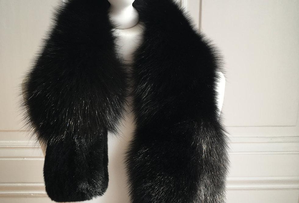 Echarpe Noire / Black Scarf