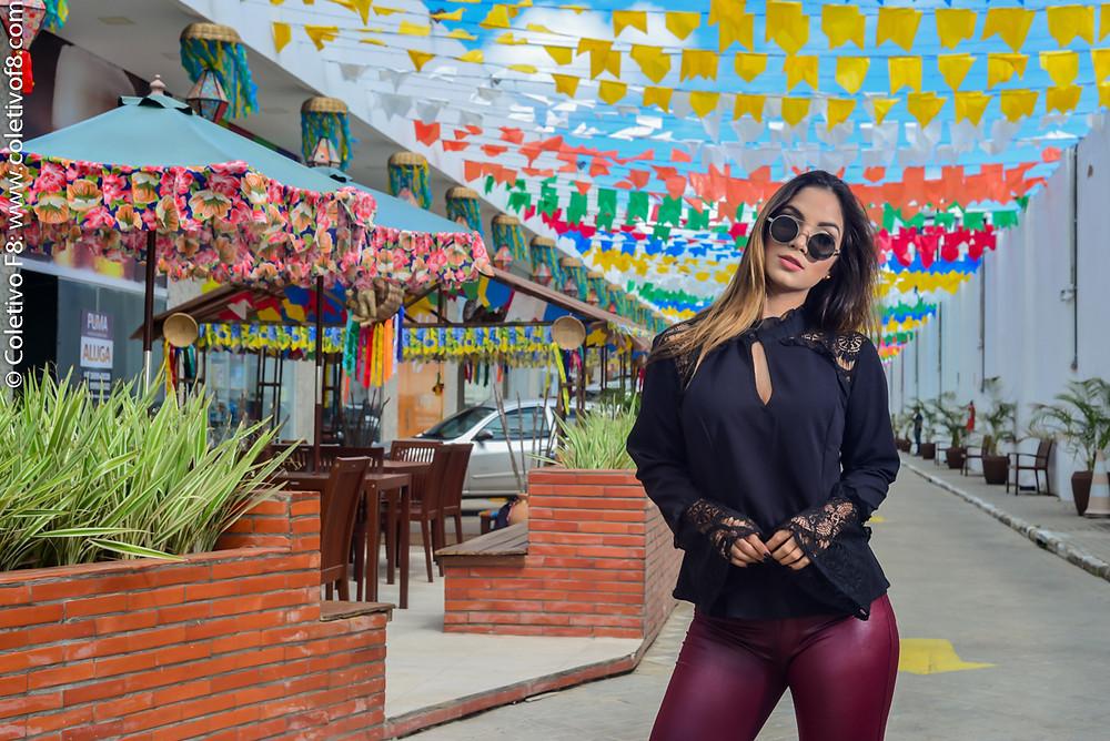 Modelo: Elisa Bonifácio / Locação: Via Mirante