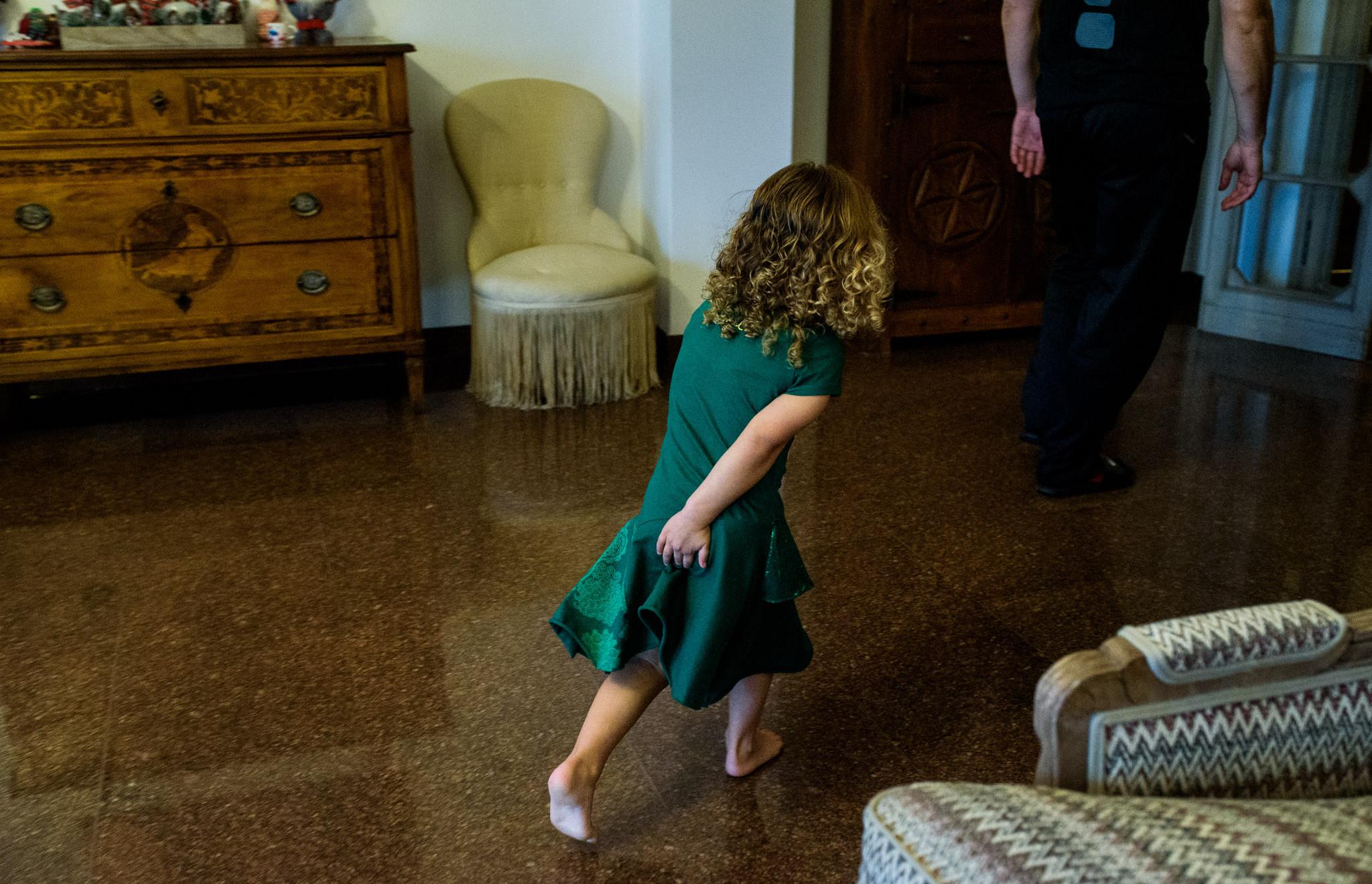 girl runs to the bathroom