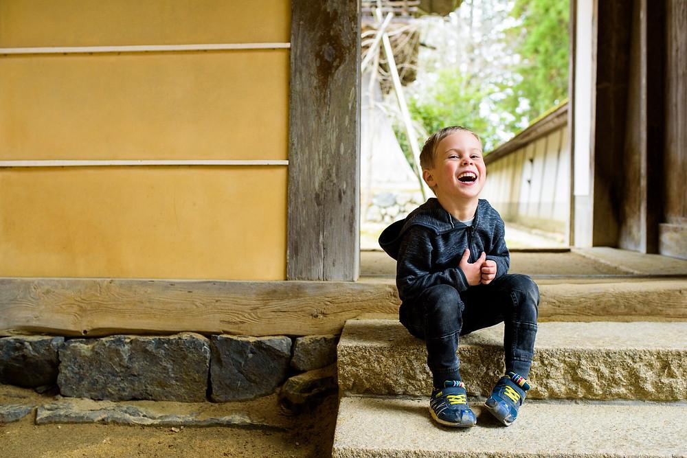 dean laughs