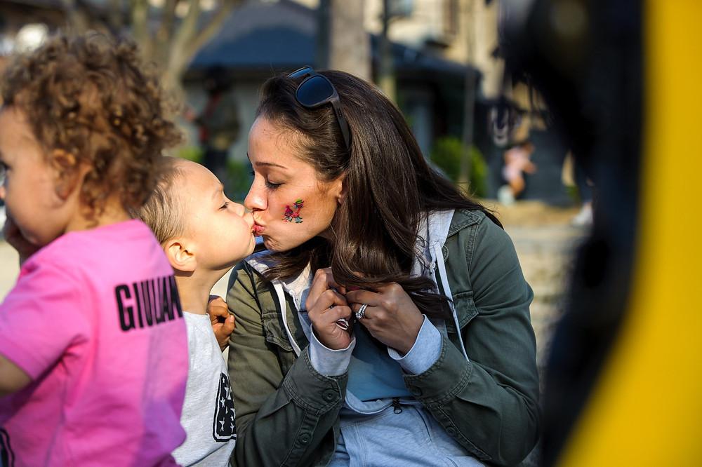 Braxton kisses his mom