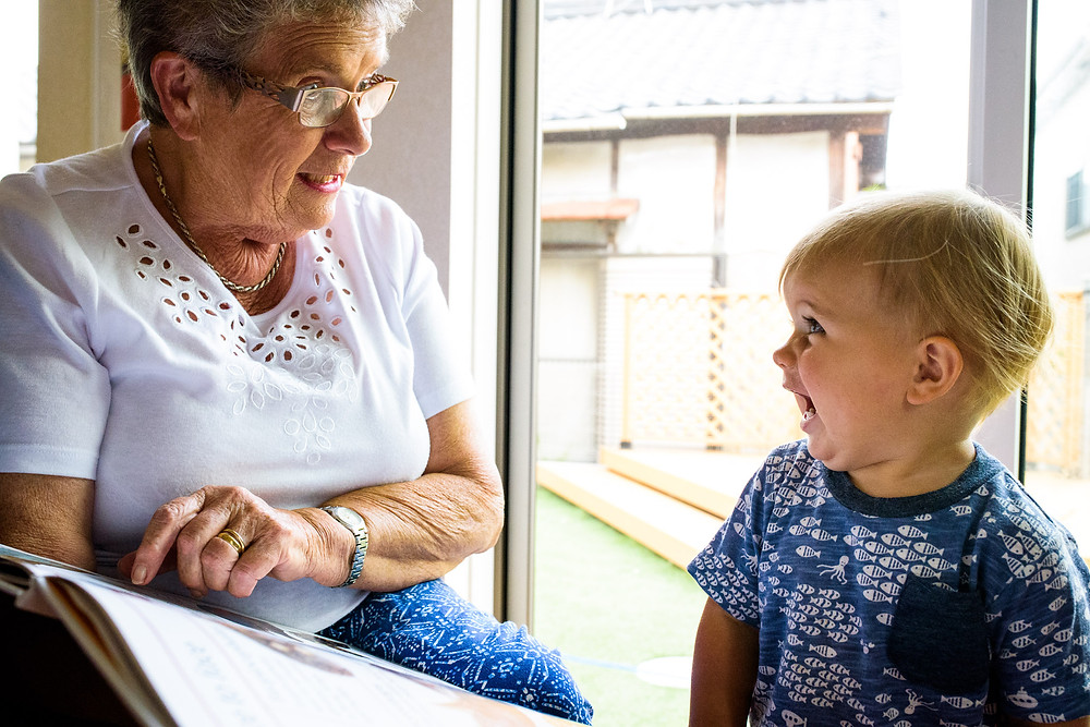 Max and his grandma read about dinosaurs