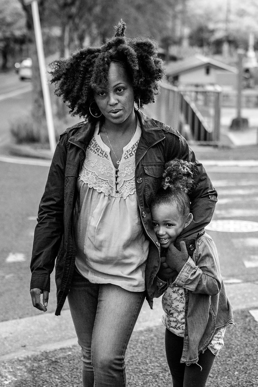 mama and daughter in heiwa park
